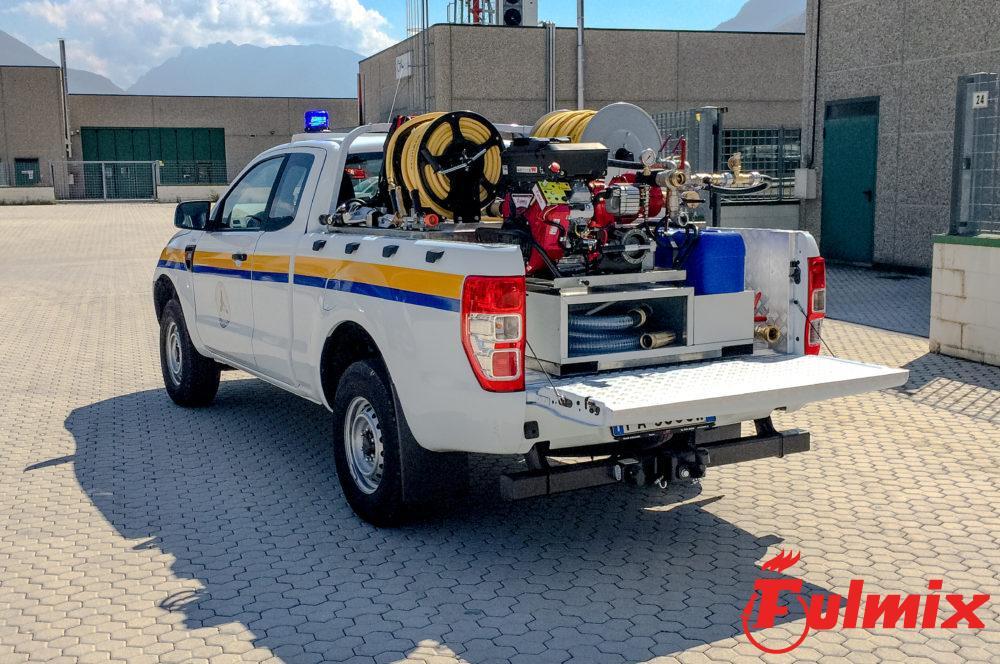 Veicolo pickup con modulo antincendio di ultima generazione con sistema CAFS per spegnimenti importanti, complessi, veloci e sicuri.