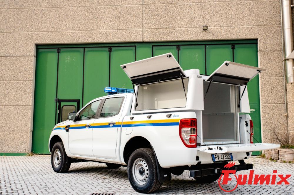 Modulo polisoccorso scarrabile su pickup personalizzabile ed intercambiabile con altre unità e moduli antincendio e logistici per vigili del fuoco e aib